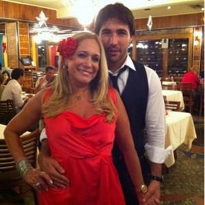 Suzana em festa com noivo Sandro Pedroso